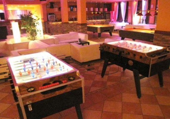 Új Halászkert Étterem & Club Allure Gyömrő Étterem Pub, Gyömrő